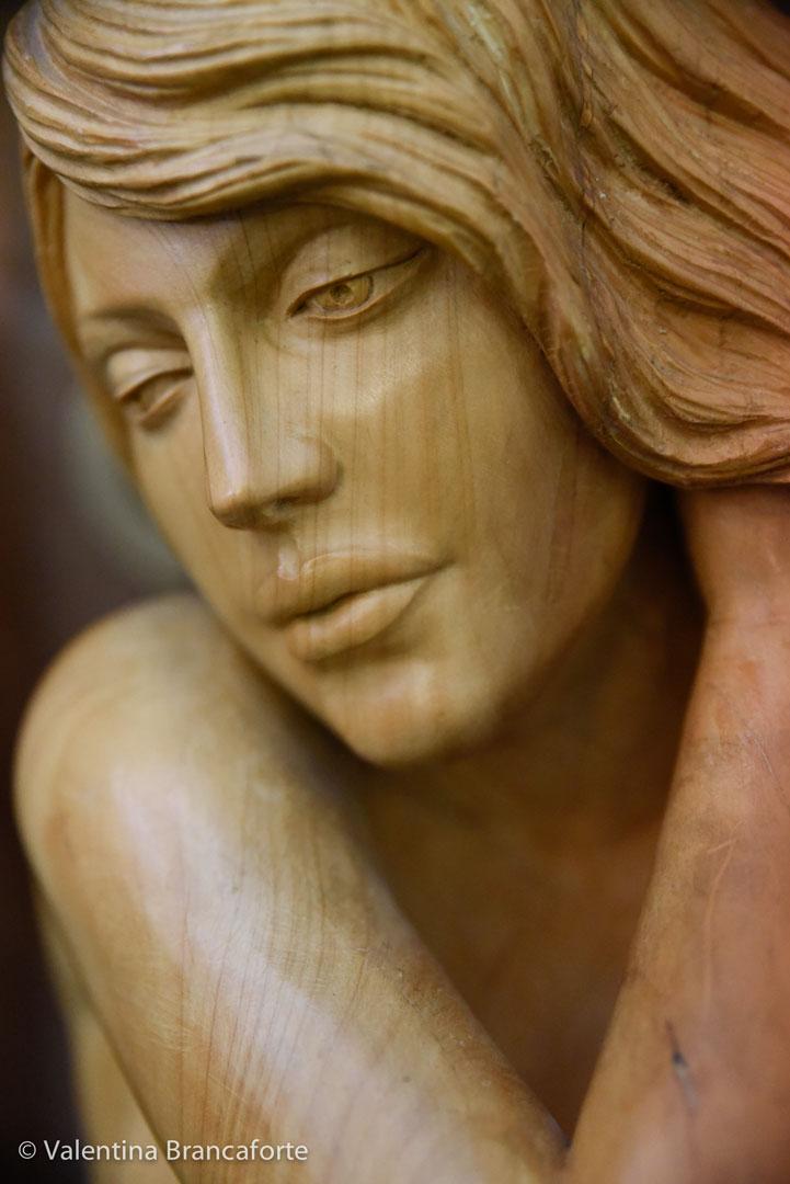 scultura volto ragazza, nudo femminile